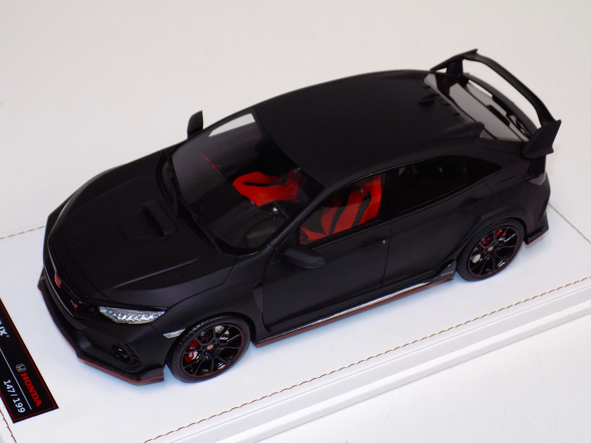 1:18 MOTORHELIX HONDA 2017 CIVIC TYPE R Matt Black