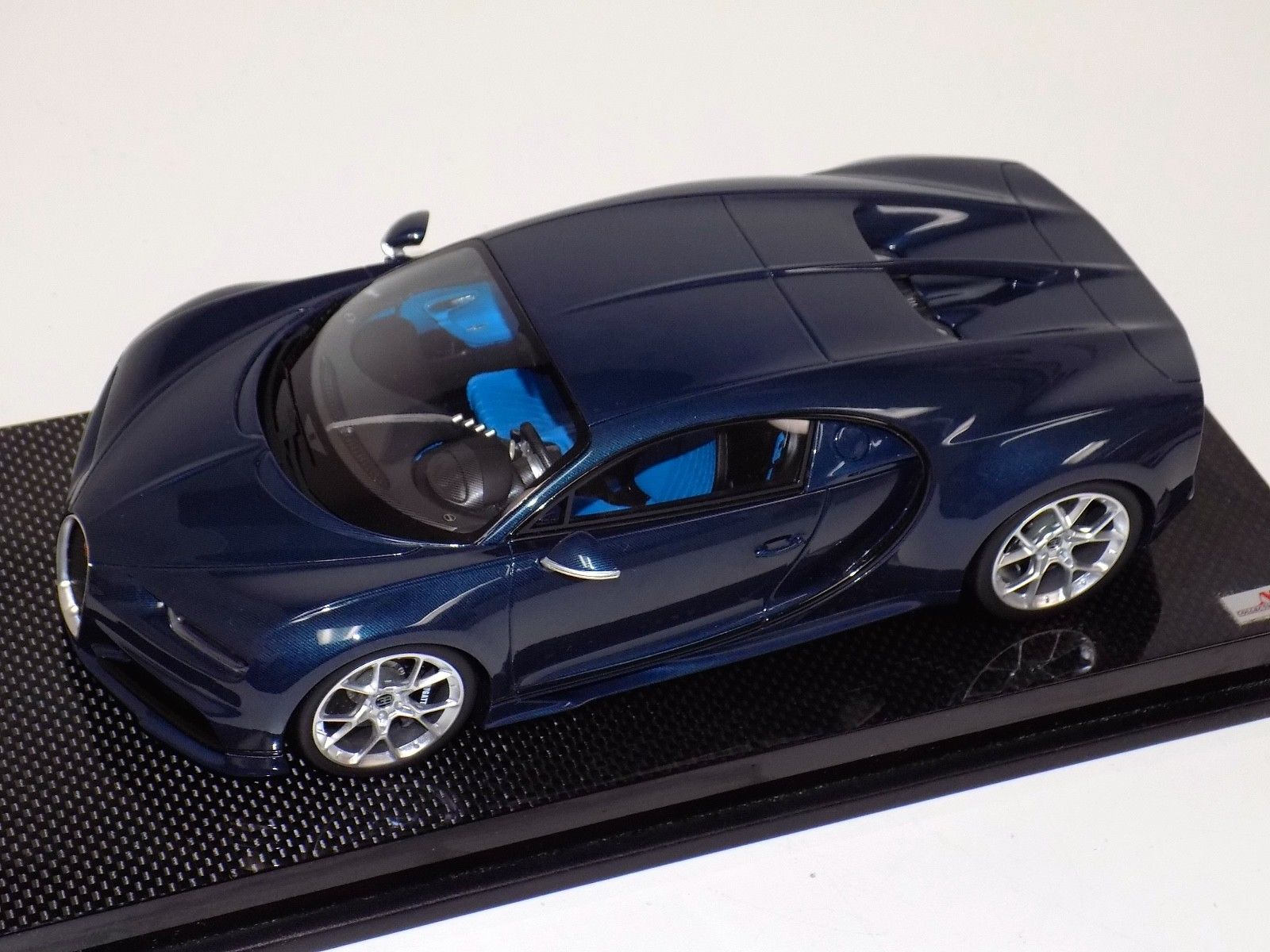 1:18 MR Collection Bugatti Chiron Blue Carbon Fiber Body on Carbon