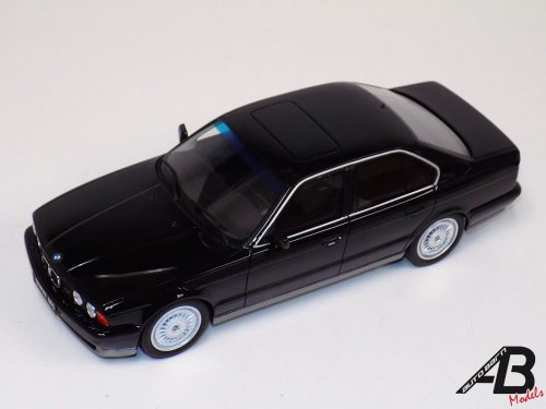 1:18 Otto BMW 5series E34 M5 Phase I MKI in Black 1989 OT690