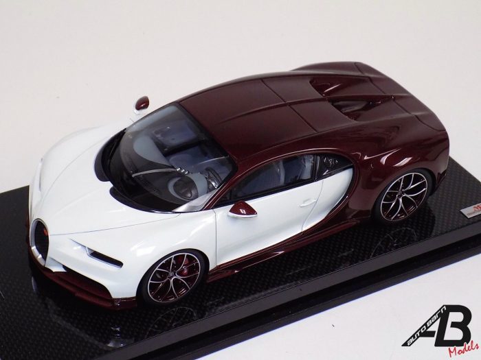 1:18 MR Collection Bugatti Chiron Glacier White and Carbon Red