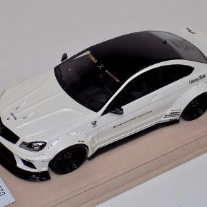 1:18 Mercedes Benz C63 AMG Liberty Walk LB Performance White