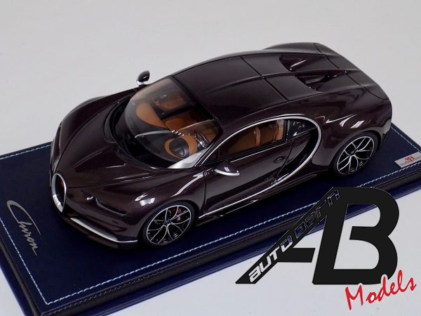 Bugatti Chiron Brown Carbon Body Leather Base   MR Collection   1:18