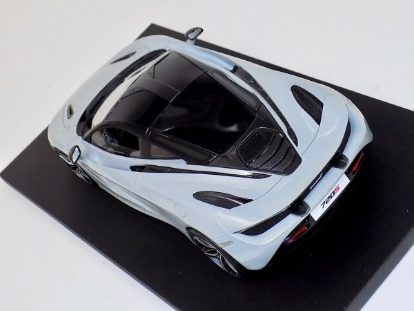 McLaren 720S Silver Resin Model Top Speed-c