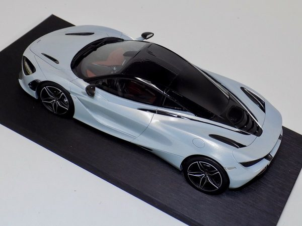McLaren 720S Silver Resin Model Top Speed-d
