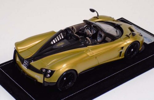 LookSmart 1:18 Pagani Huayra Roadster Gold with Black Wheels