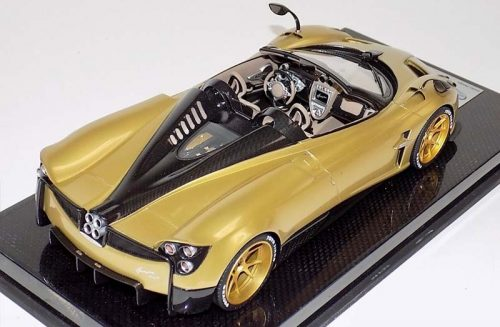 LookSmart 1:18 Pagani Huayra Roadster Gold with Gold Wheels